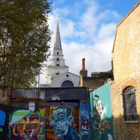 伦敦东区的街头艺术和教堂