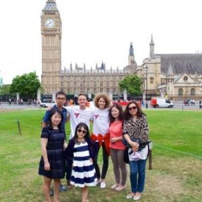 中文流利的英国导游