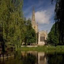 Holy Trinity教堂以及雅芳河