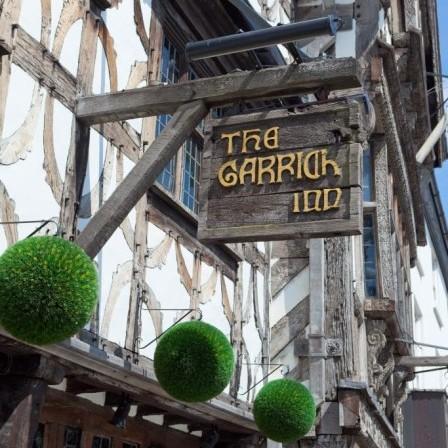 埃文河畔斯特拉福德最古老的酒馆